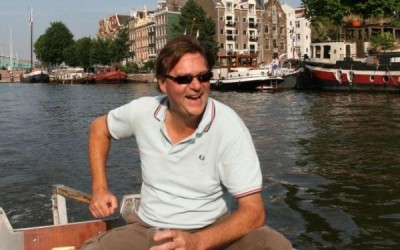 Renting your own boat in Amsterdam with Boaty eastern city center tour