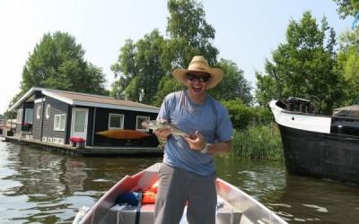 Boaty Bootverhuur Amsterdam varen over de Amstel
