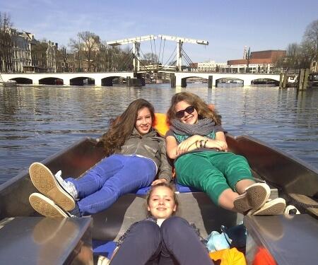 Vaarroute sloepje varen door Amsterdam Magere Brug