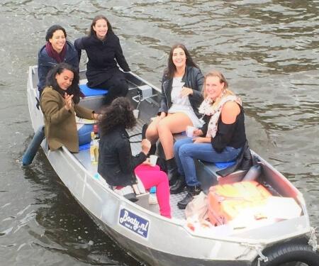 Fluisterboot huren Amsterdam zelf varen grachten