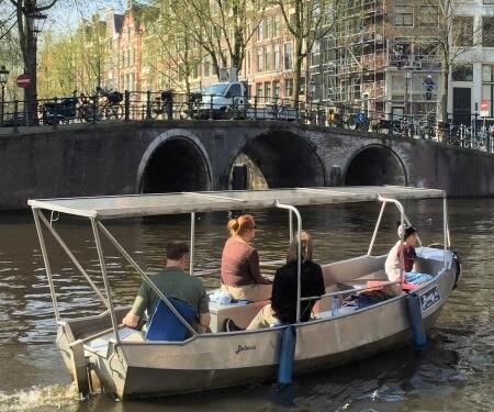 Overdekte boot huren Amsterdam