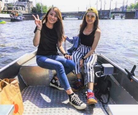 Varen door Amsterdam Boaty