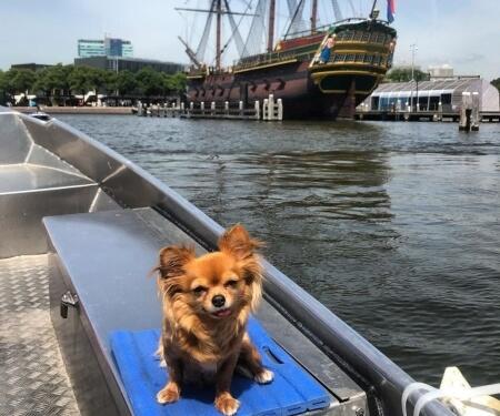 Varen door Amsterdam Oosterdok VOC schip