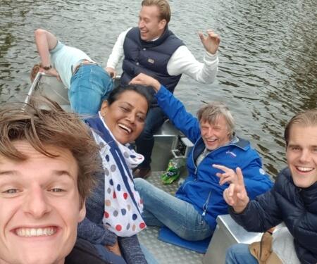 Bedrijfsuitje Amsterdam boot varen