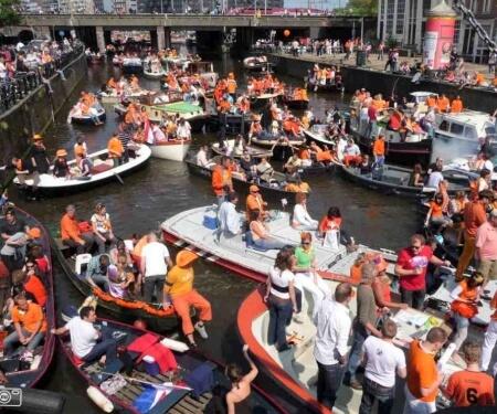 Boot huren Koningsdag Amsterdam