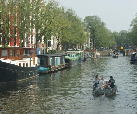 Boot verhuur Amsterdam vaartocht grachten