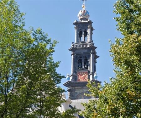 Sloep verhuur vaartocht grachten Amsterdam Westerkerk
