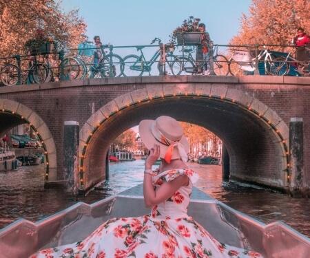 Bootje huren grachten Amsterdam